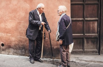 Adapt the security of the house for the elderly